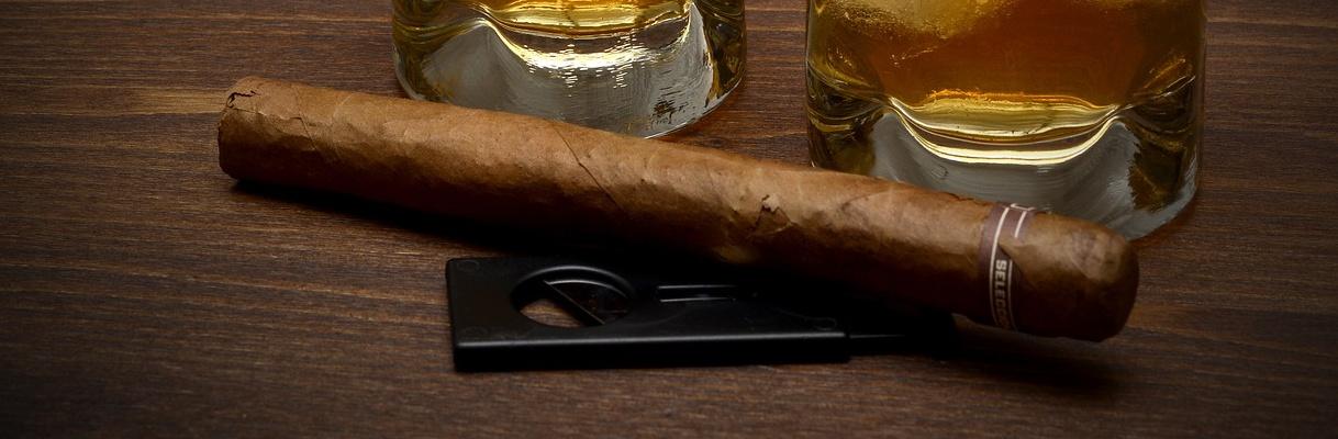 Zigarre und Whisky